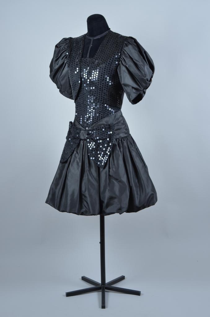 6a46b8098ff7de 70ties jurk - Kostuumverhuur Groningen